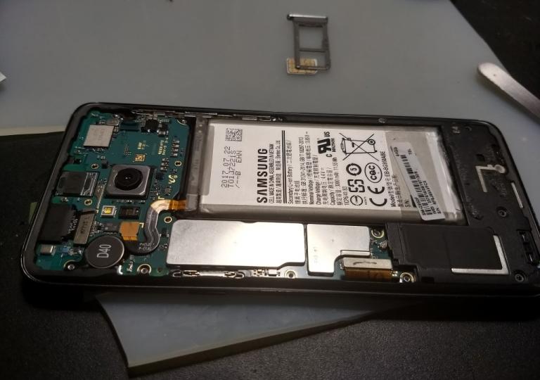 171122 - Samsung s8 crack screen repair